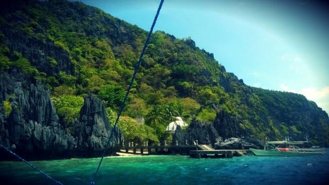 Approaching Matinloc Island