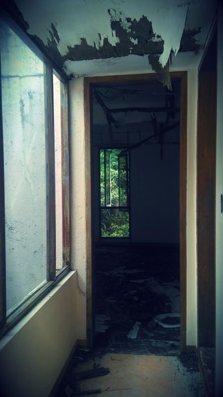 Matinloc Island Mansion doorway