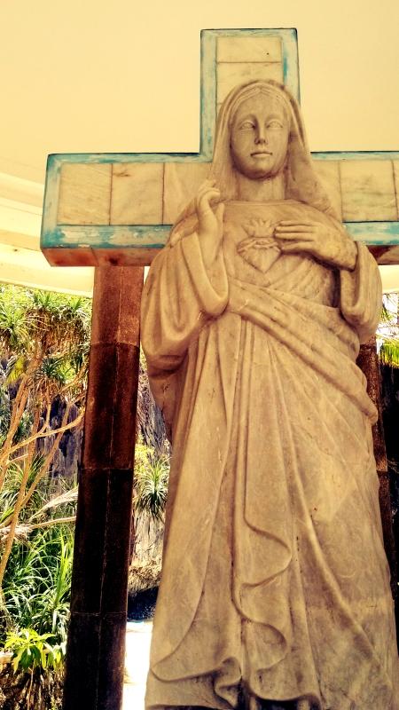 Matinloc Island Statue